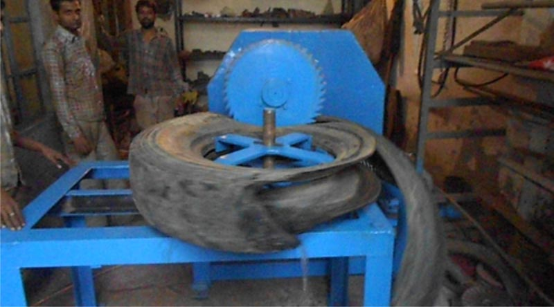 Tyre Cutting Machine