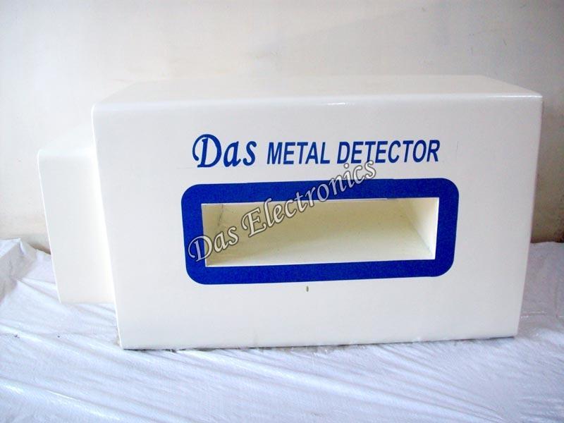 Vinyl Metal Detector