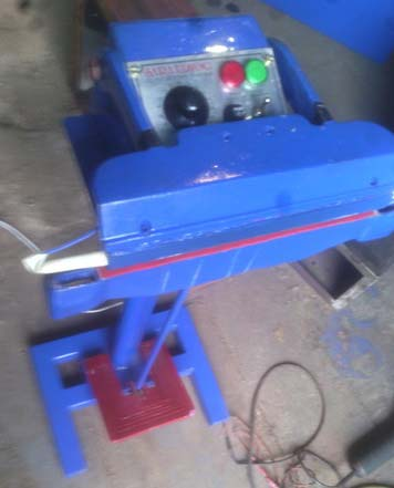 Pedal Sealing Machine
