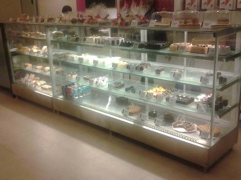 Display CounterPastry Display Counter Manufacturers in  : pastry display counter 1365441 from www.lyraequipments.in size 772 x 579 jpeg 49kB