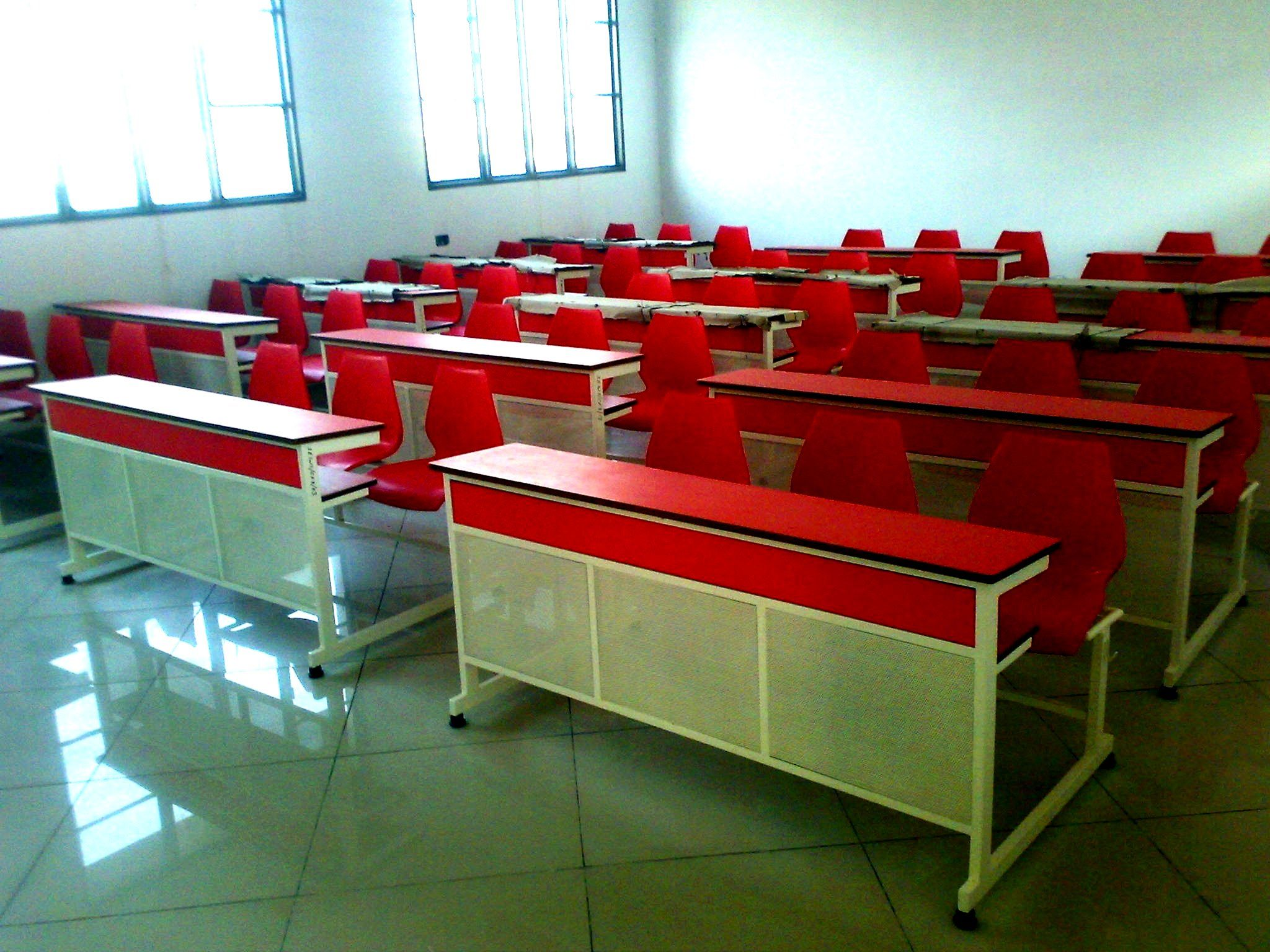 College Classroom Furniture College Classroom Furniture