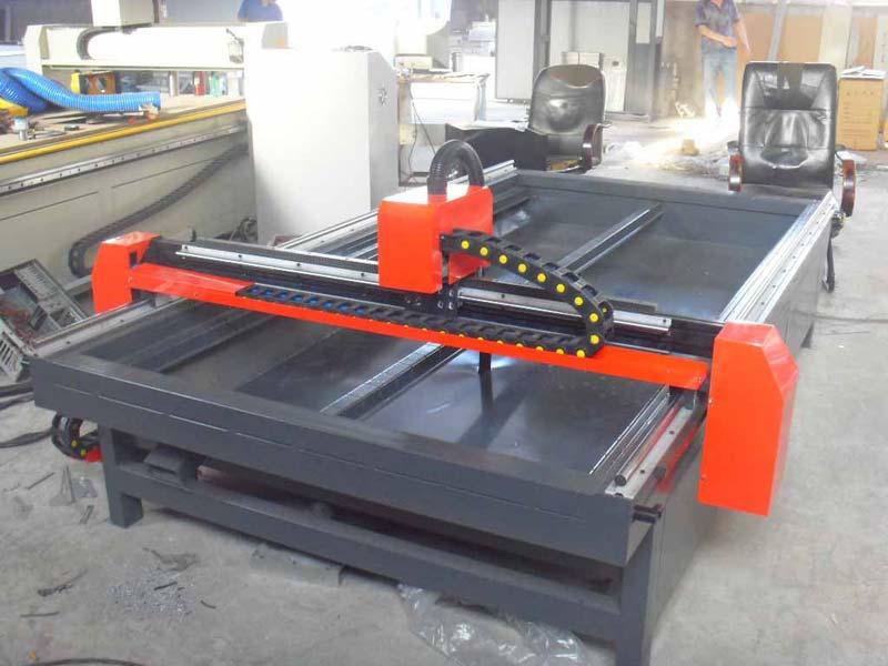 cnc plasma cutting machine operator