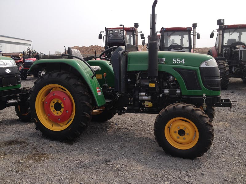 Tractor 02