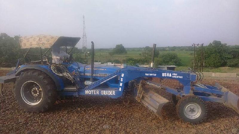New Holland Tractor Grader