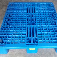 Four Way Entry Three Runner Plastic Pallets