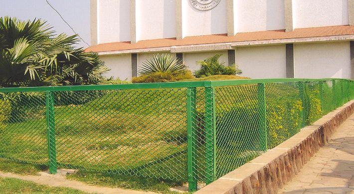 Gardening Fence 01