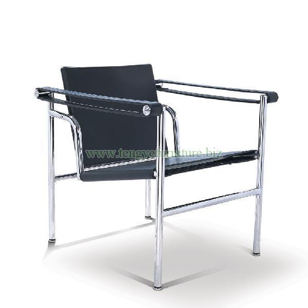 Modern Throne LC1 Chair