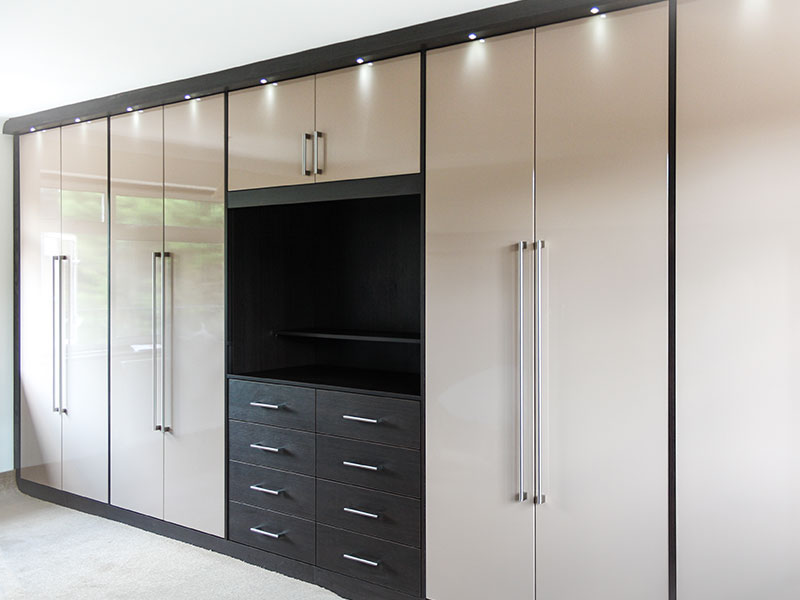Designer wardrobes manufacturer supplier in hoshiarpur india for Kitchen wardrobe design