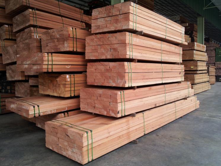 Red Meranti Sawn Timber ~ Meranti wood sawn logs exporters