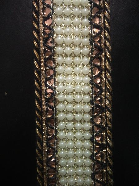Stitching Pearl Crochet Laces