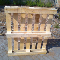 Four Way Pine Wood Pallet 01