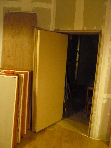 Attractive Soundproof Door 03