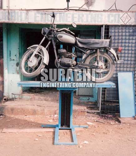 Single Post Lift