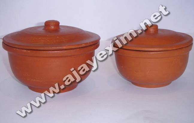 Clay Dhal Curry Pot
