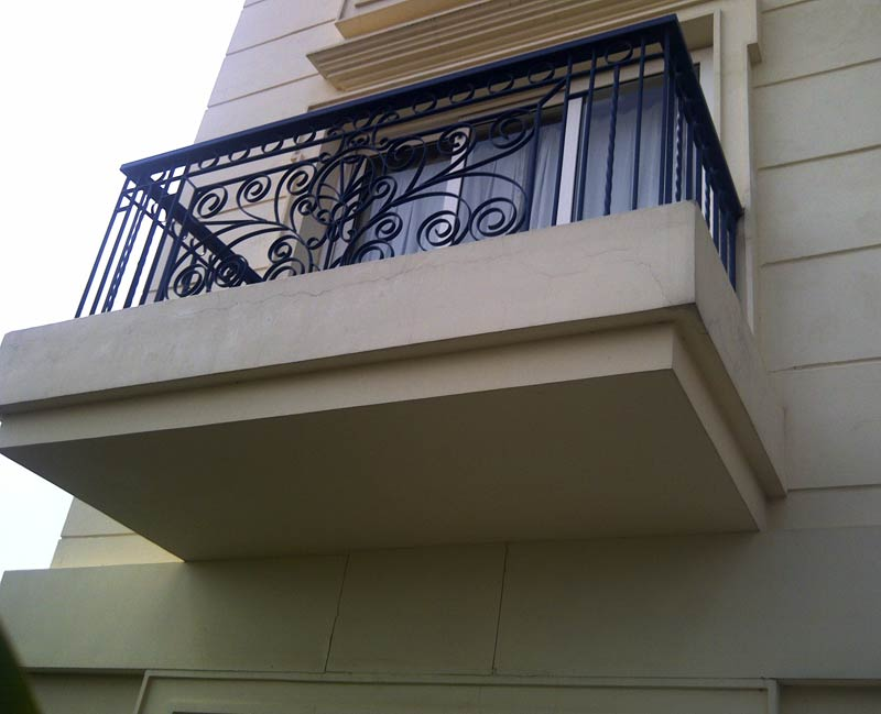 Stainless steel railings stainless steel staircase for Stainless steel balcony