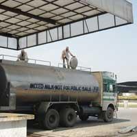Road Milk Tanker (02)