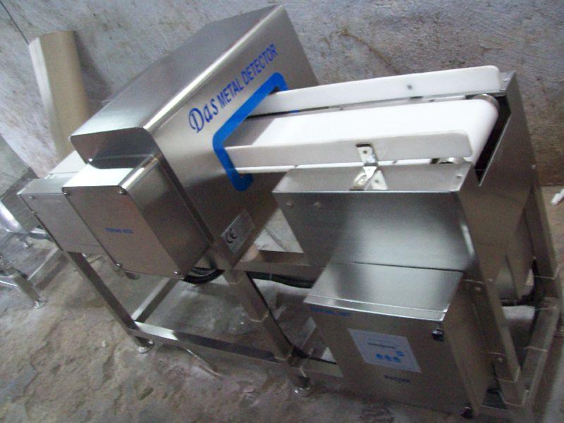 Metallic Packaging Inside Metal Detector