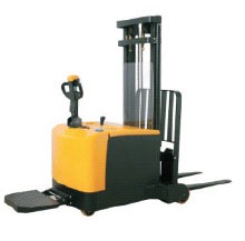 Counterbalanced Electric Stacker