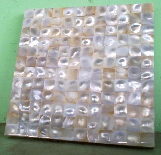 Horn & Bone Tile 01