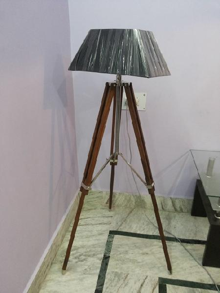 Antique spotlight floor lamp manufacturer supplier in for Antique floor lamp manufacturers