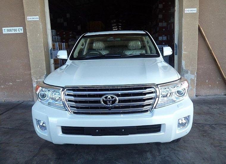 2013 Toyota Landcruiser RHD VDJ200 Car (White)