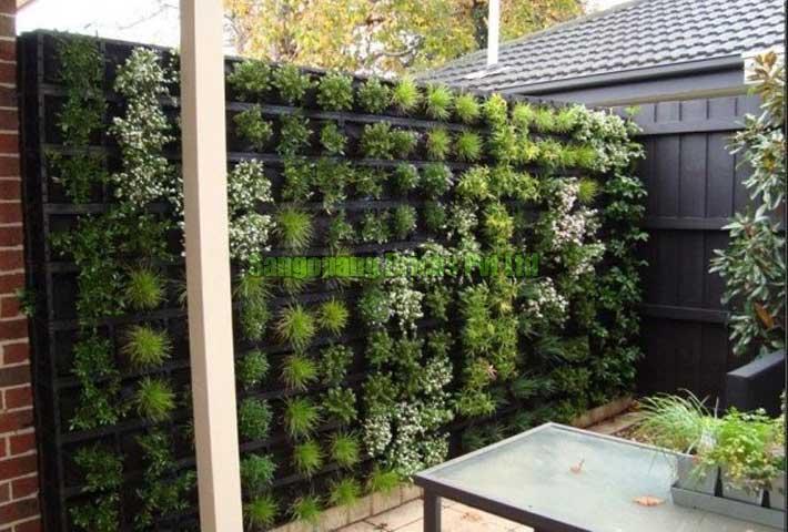 Planter Wall Fencing 02