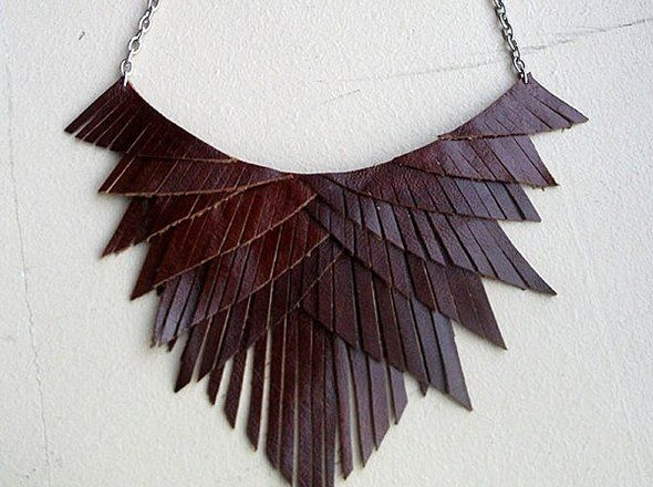 Ladies Leather Necklace 03