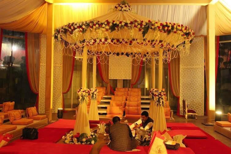 Flower decoration design in new delhi wedding flower for Decor international delhi