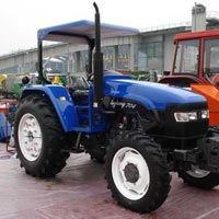 Tractor 04