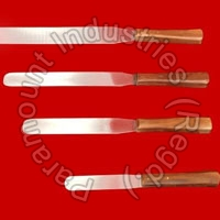Ointement Spatula Wooden Handle 02
