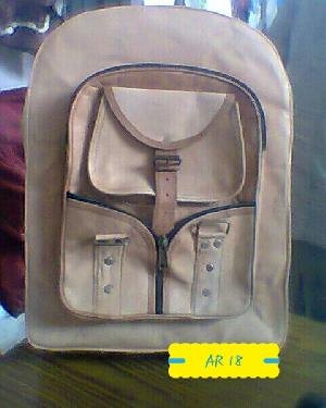 AR 18 Leather College Bag
