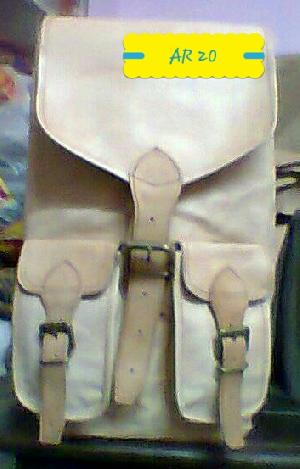 AR 20 Leather College Bag