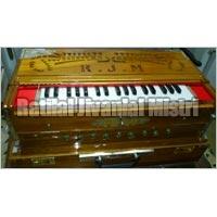 9 Scale 3 Line Harmonium 02