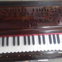 Portable 3 Line 3.5 Octaves Harmonium Without Scale Change - 2