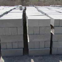 Cellular Lightweight Concrete Bricks 02