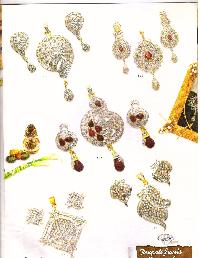 Diamond Pendant Set Manufacturer, Exporter and Supplier