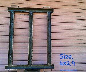 Iron Window Frame 06