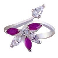 Ladies Silver Ring (SR038)