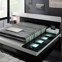 Designer Wooden Bed - 05
