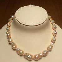 Deluxe Pearl Necklace