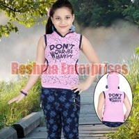 Girls Denim Capris (D.No. : 705)