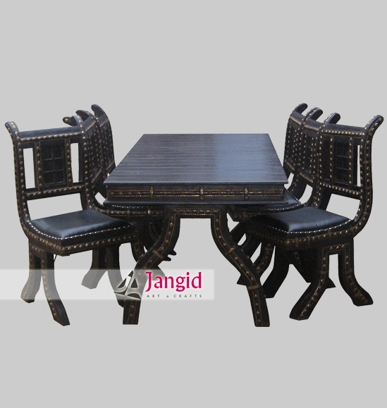 Traditional Furniture Manufacturers: Traditional Restaurant Furniture