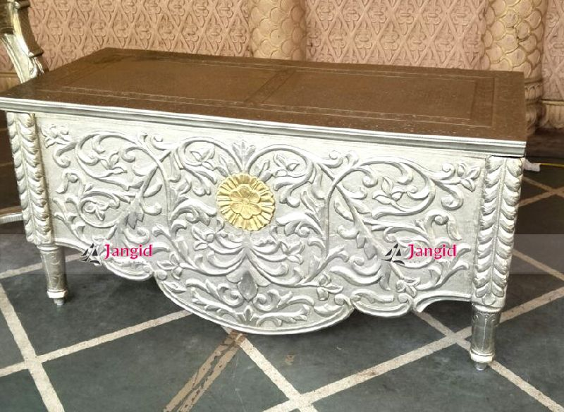 White Metal Furniture