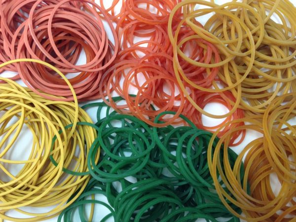 100% Assorted Color Rubber Bands 07