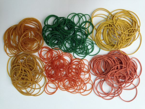 100% Assorted Color Rubber Bands 08