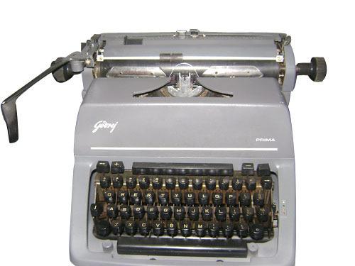 Godrej Prima Fscape English and Marathi Typewriter