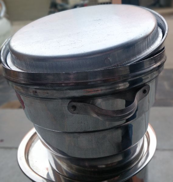 Aluminium Idli Cooker With Stand image 04