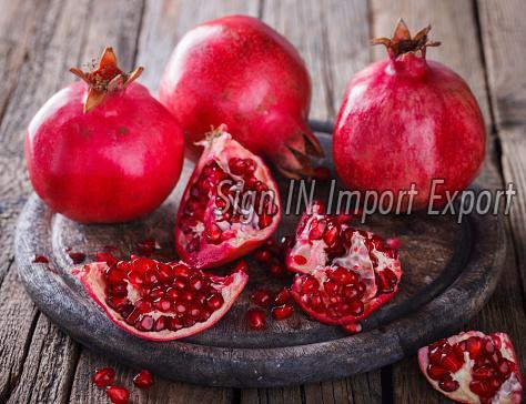 Fresh Pomegranate 02