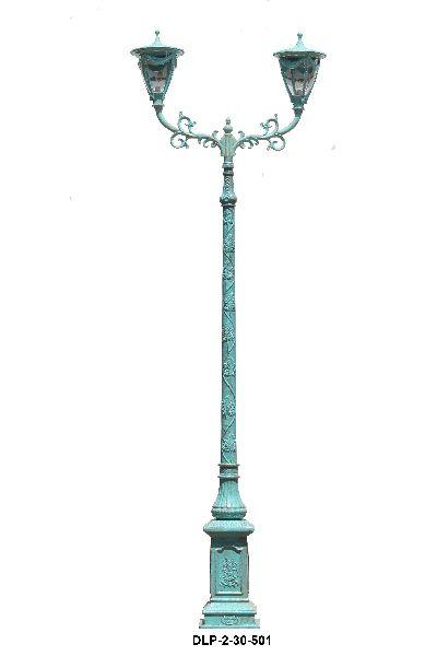 Gracious Garden Lamp Pole