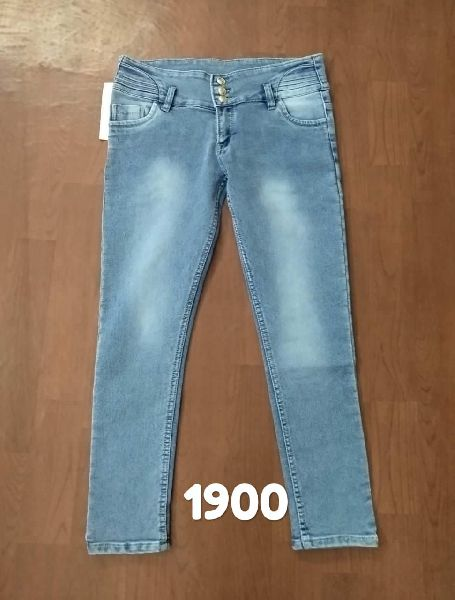 Ladies Jeans 02
